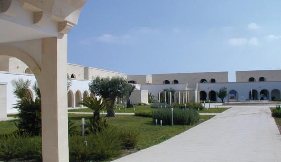 Futura style Corte del Salento, Puglia - Viale esterno