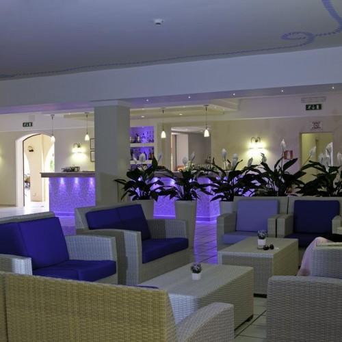 Blu Hotel Laconia Village - Cannigione di Arzachena, Sardegna - Hall di notte