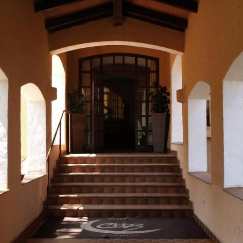 Club Esse Cala Bitta - Baja Sardinia, Sardegna - Entrata