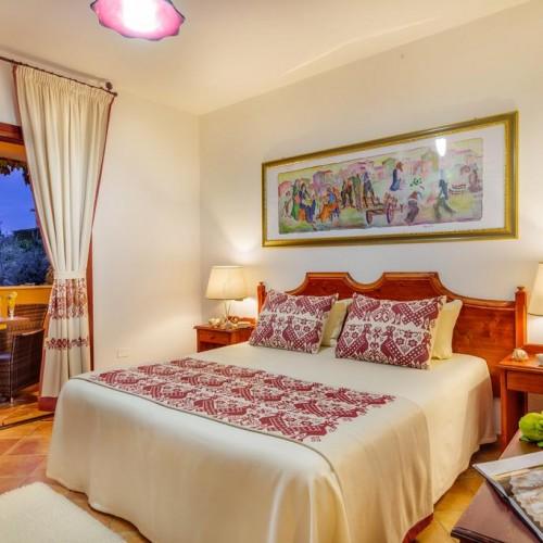 I Giardini di Cala Ginepro Resort - Camera con balcone