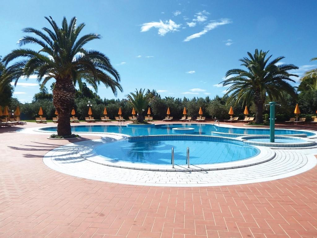 I giardini di cala ginepro resort cala ginepro pacchetti vacanza in sardegna - I giardini di cala ginepro ...