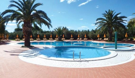 I Giardini di Cala Ginepro Resort - Piscina esterna