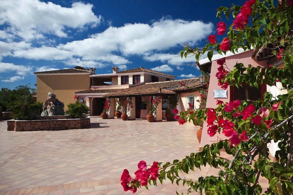 I giardini di cala ginepro resort cala ginepro pacchetti vacanza in sardegna - I giardini di cala ginepro hotel resort ...