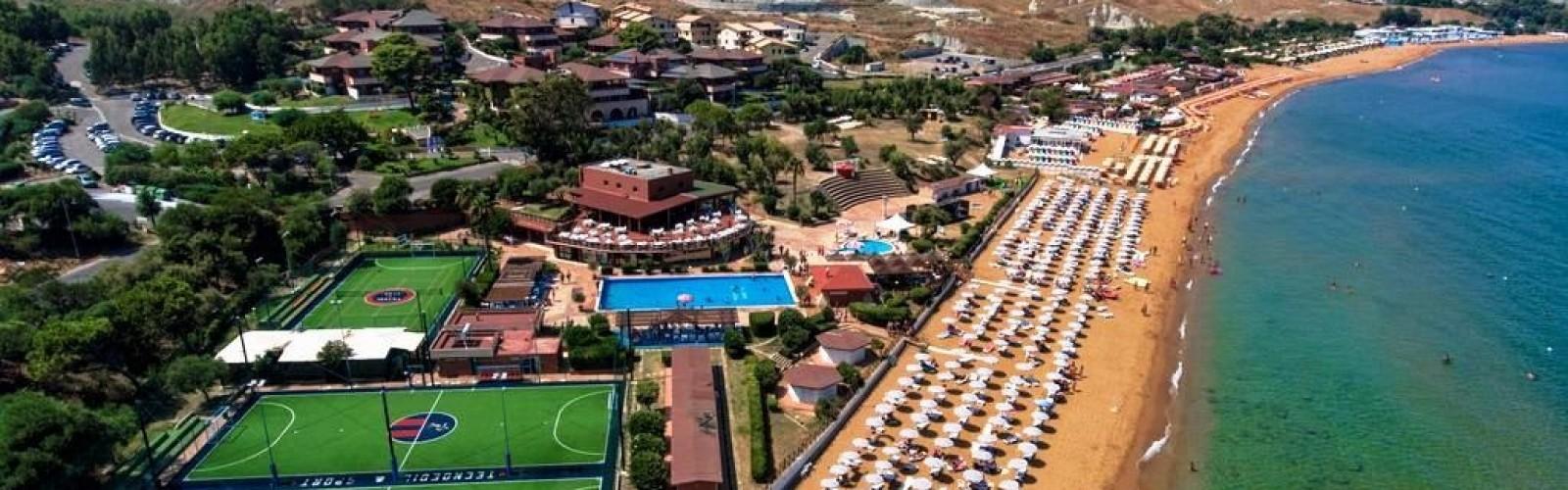 Futura Club Casarossa, Calabria | Struttura dall'alto