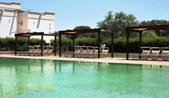 Villaggio Il Catalano - Puglia | Piscina con solarium