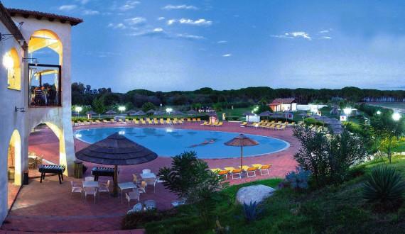 Cala Luas Resort - Cardedu, Sardegna - Piscina di notte