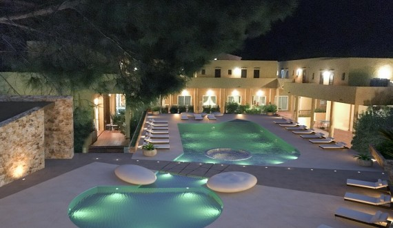 Blu Hotel Laconia Village - Cannigione di Arzachena, Sardegna - Piscina di notte