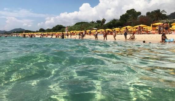 Free Beach Club - Costa Rei, Sardegna - Mare Cristallino